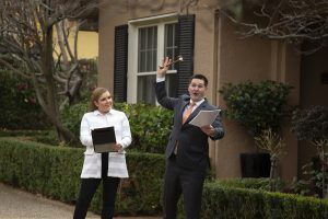 A Buyers Guide to Auction - Hayman Partners