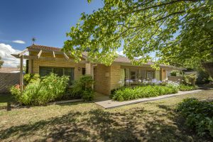 Preview image for 37 Weathers Street, Gowrie  ACT  2904